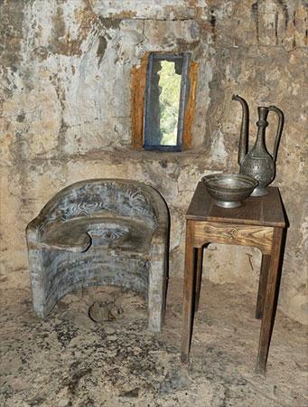 Retrete en castillo - falco para Pixabay.com